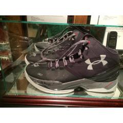 Steph Curry Signed Game Worn Shoes from 2015-16 Season