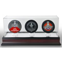 Washington Capitals Stanley Cup Champs 3 Puck Set with Display Case